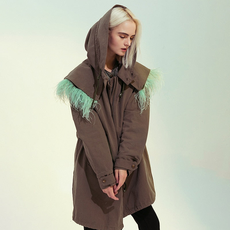 Hooded feathered duster
