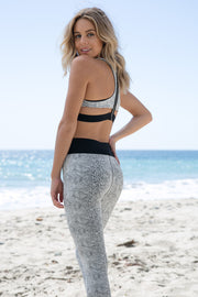 Blue Life Fit - Zip It Sportsbra | Python Jacquard - The Girl and The Water - 4