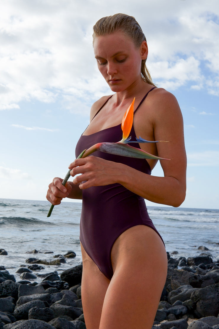 The Girl & The Water - Kaua'i One Piece | Bisous