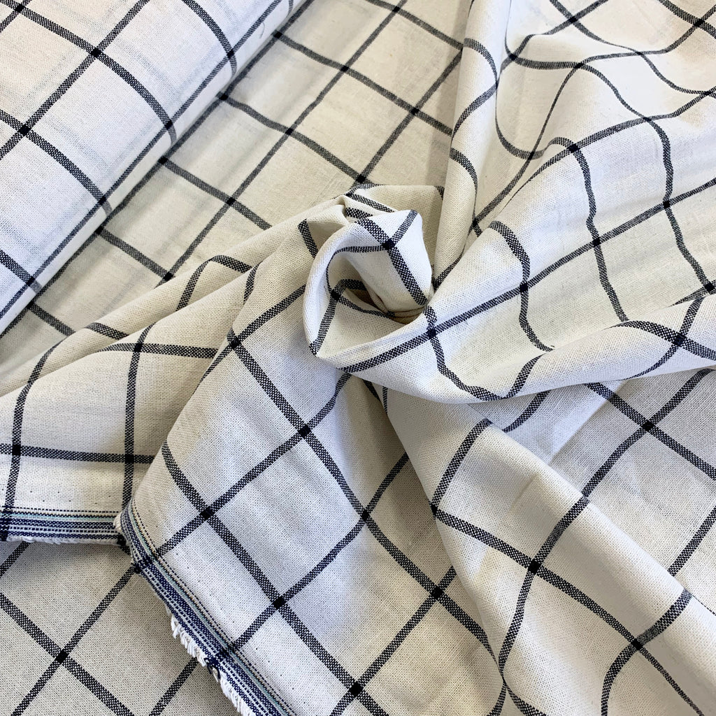 55% linen + 45% cotton, Essex Yarn Dyed woven by Robert Kaufman -White/Navy Windowpane