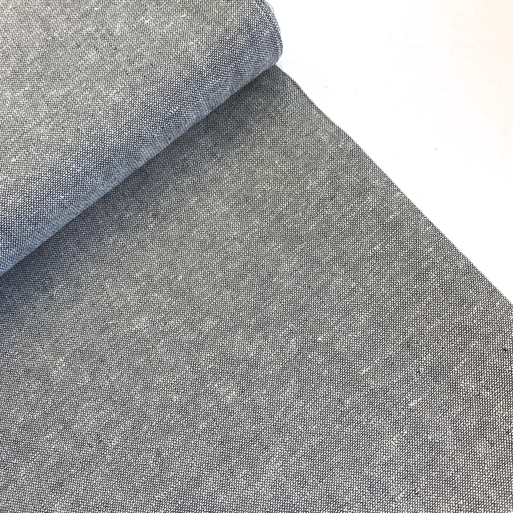 55% linen + 45% cotton, Essex Yarn Dyed chambray by Robert Kaufman - Graphite