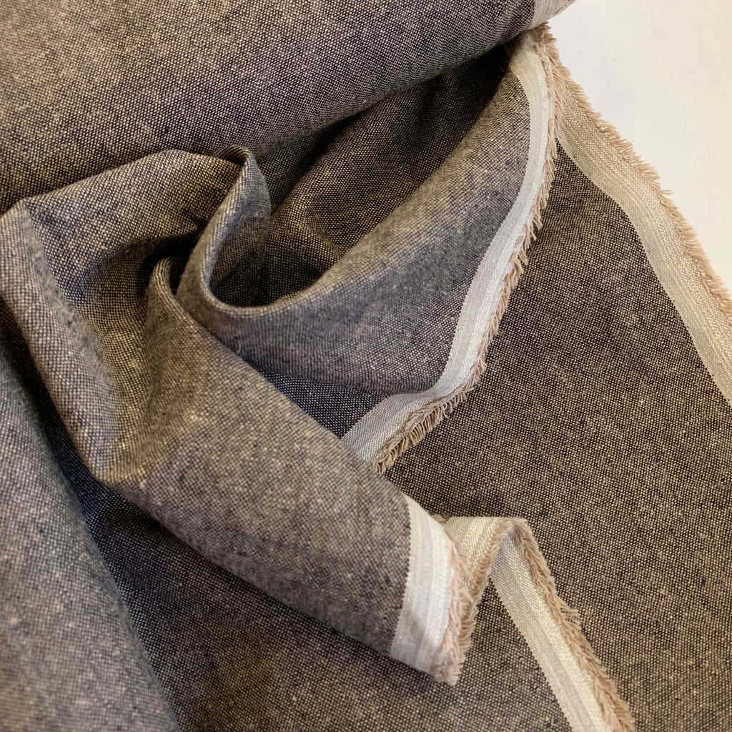 55% linen + 45% cotton, Essex Yarn Dyed chambray by Robert Kaufman - Espresso