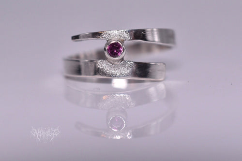 Contemporary Rhodolite garnet silver ring #2001091
