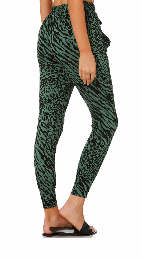 Betty Basic Barcelona Pant - Sage Instinct