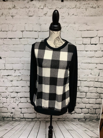 Checkered Pullover with contrast sleeves