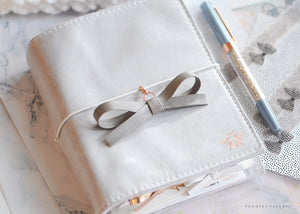 The Essentials Collection: Castle Alice Bow Planner Charm