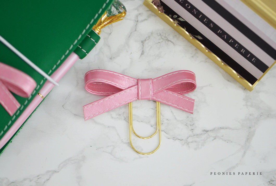 Frosted Kiss Alice Bow Faux Leather Paper Clip