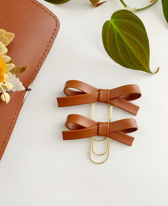 The Essentials Collection: Hazelnut Alice Bow Clip