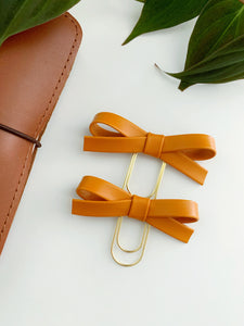 The Essentials Collection: Pumpkin Alice Bow Clip
