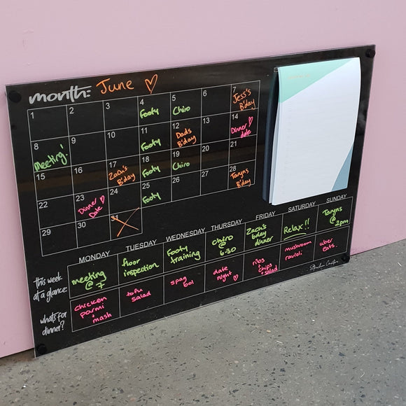 the DELUXE Wall Mounted Monthly Planners