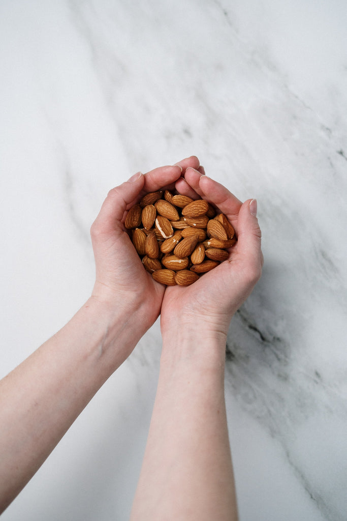 Benefits of almond products for dry skin treatment