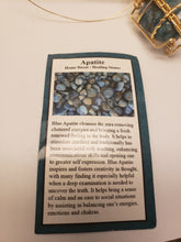 Load image into Gallery viewer, Apatite Delight Pendant