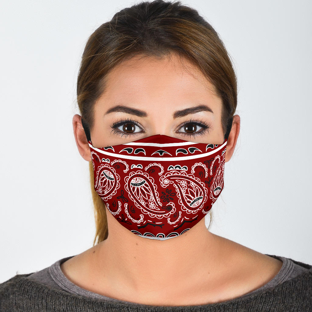 maroon red bandana mask
