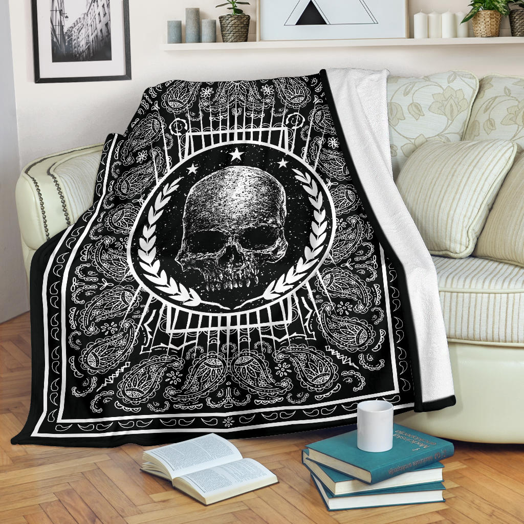 black bandana blanket with retro skull