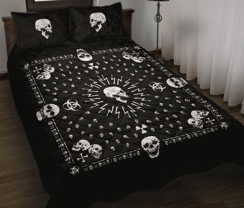 Bandana with skulls quilt with shams