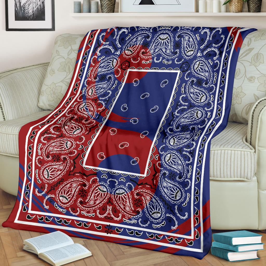 Ying Yang Bandana Fleece Throw Blanket
