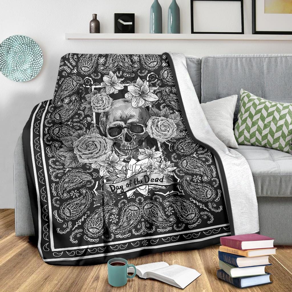 Dark Gray Bandana Day or the Dead Skull Fleece Throw
