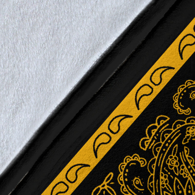 Black Gold Bandana Fleece Throw Blanket Details