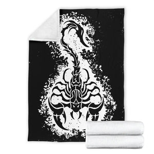 Scorpion in Leaves Fleece Throw Blanket