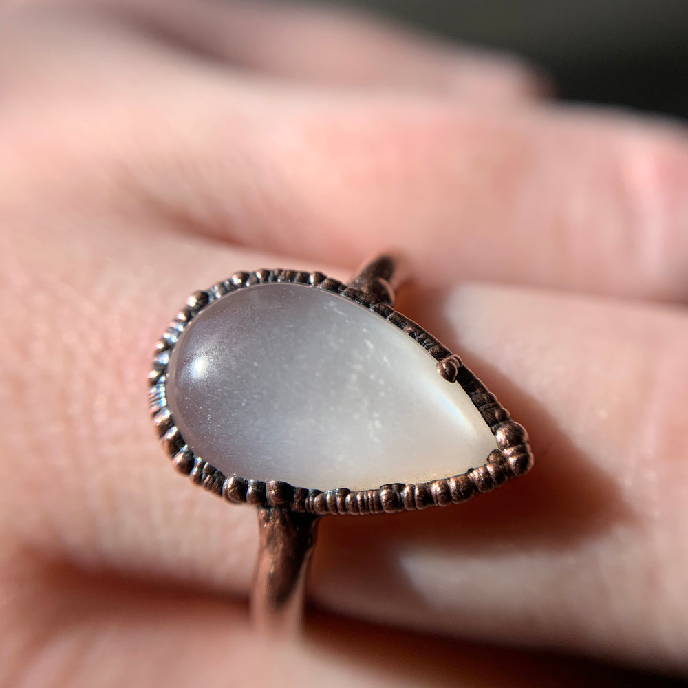 MOONSTONE RING, SIZE 6