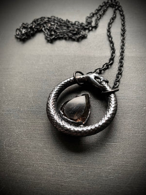 Load image into Gallery viewer, Ouroboros Talisman | Smoky quartz