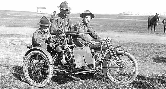 moto de guerre Indian