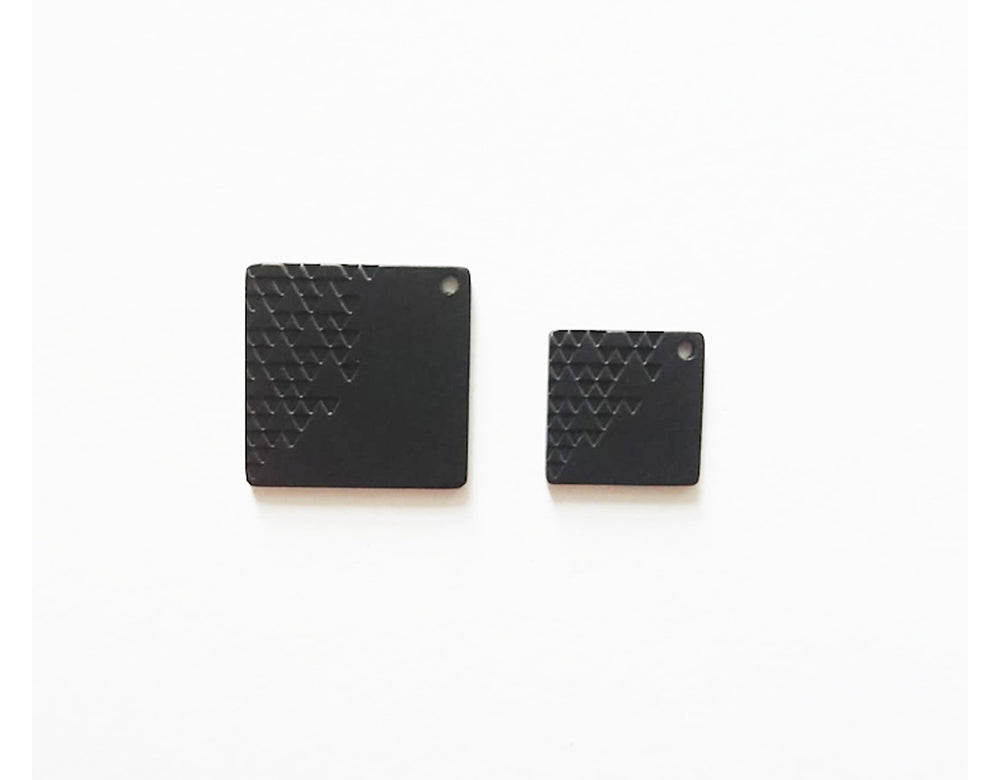 Tri Patt Earrings Sq (matt black)