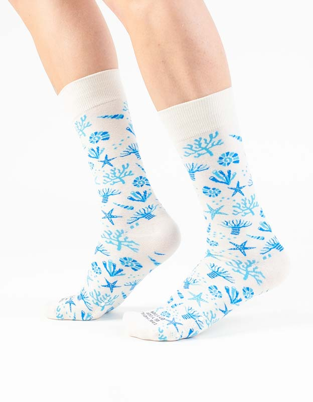Talking Toes The World is Your Oyster Cream Coral Socks