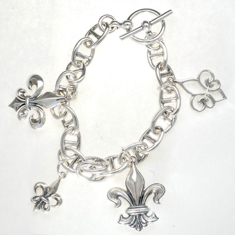 Celebration Fleur de Lis Bracelet Size 8 inches
