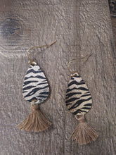 Load image into Gallery viewer, Dainty Details Metal & Fringe Earrings