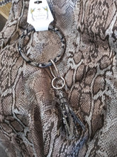 Load image into Gallery viewer, Round Snake Skin Key Rings with Tassels 70961