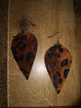 Load image into Gallery viewer, Leopard Teardrop Earrings