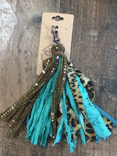 Load image into Gallery viewer, Large Tassel Keychain
