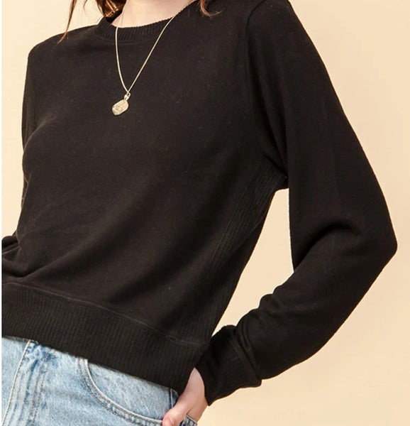 CREW NECK LONG SLEEVE CONTRAST SIDE TOP