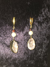 Load image into Gallery viewer, Gold Dipped Geode and Pearl Drop Leverback Earrings