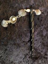 Load image into Gallery viewer, Pearls and Seashells Black Spiral Bone Hairstick