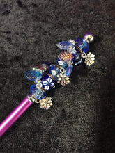 Load image into Gallery viewer, Blue Leaves and Flowers Beaded Stylus