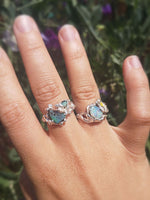 Load image into Gallery viewer, Opal Flower Ring