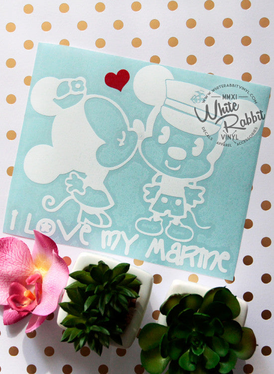 MnM Mouse Kiss - Marine Decal
