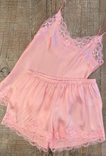 Floral Lace Short Ballerina Pink