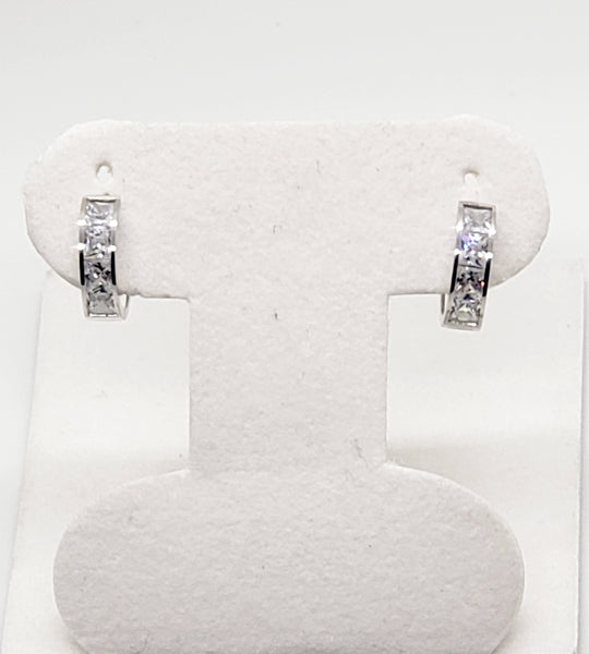 14 Karat White Gold Cubic Zircon Huggi Princess Cut Hoop Earrings KC9031