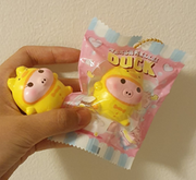 CreamiiCandy Mini DUCK DUCKY Marshmelli Piggy Pig Squishy
