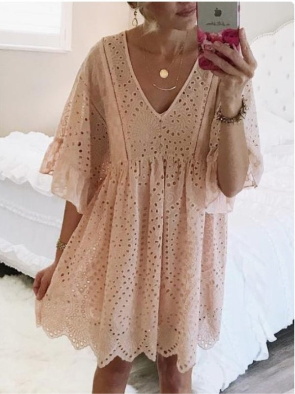 2019 Boho Laser Cut Long Sleeve V-neck Dress
