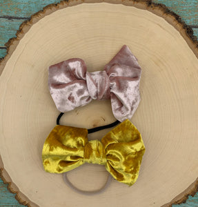 Monogram Skinny Bow on Nude Nylon