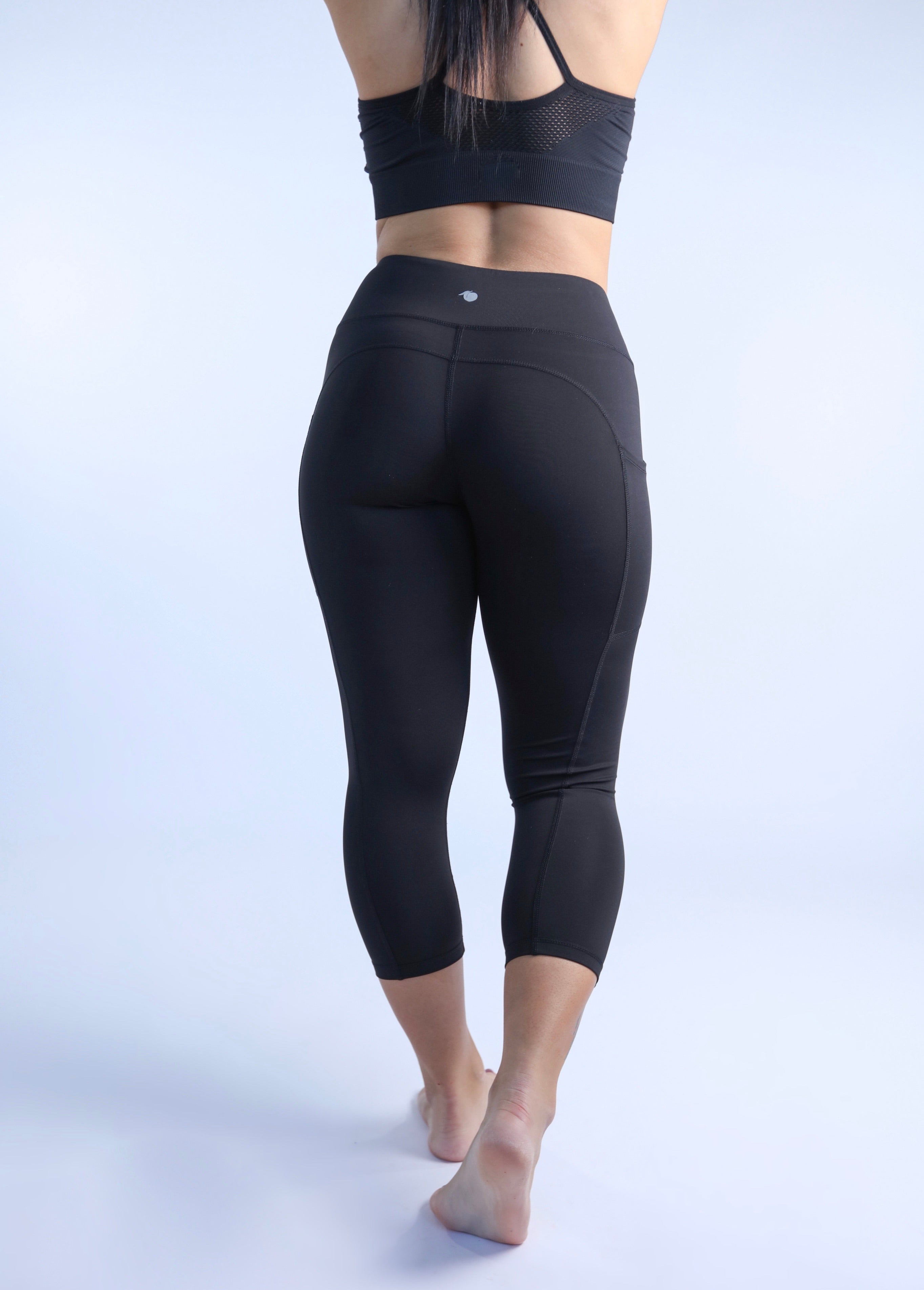 Peach Fit Cropped Black