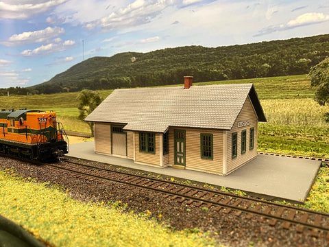 Standard Combination Depot 24' x 48' 1899 Right Handed HO scale