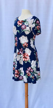 Load image into Gallery viewer, Short Sleeve Floral Dress