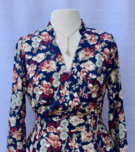 Load image into Gallery viewer, Floral Long Sleeve Dress