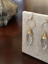Load image into Gallery viewer, Clear Dangle Earring