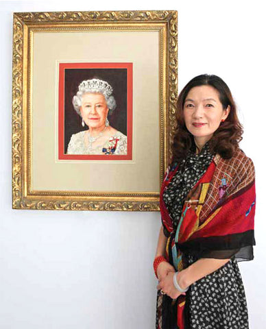 Silk embroidery portrait of Queen Elizabeth by Jianping Yao
